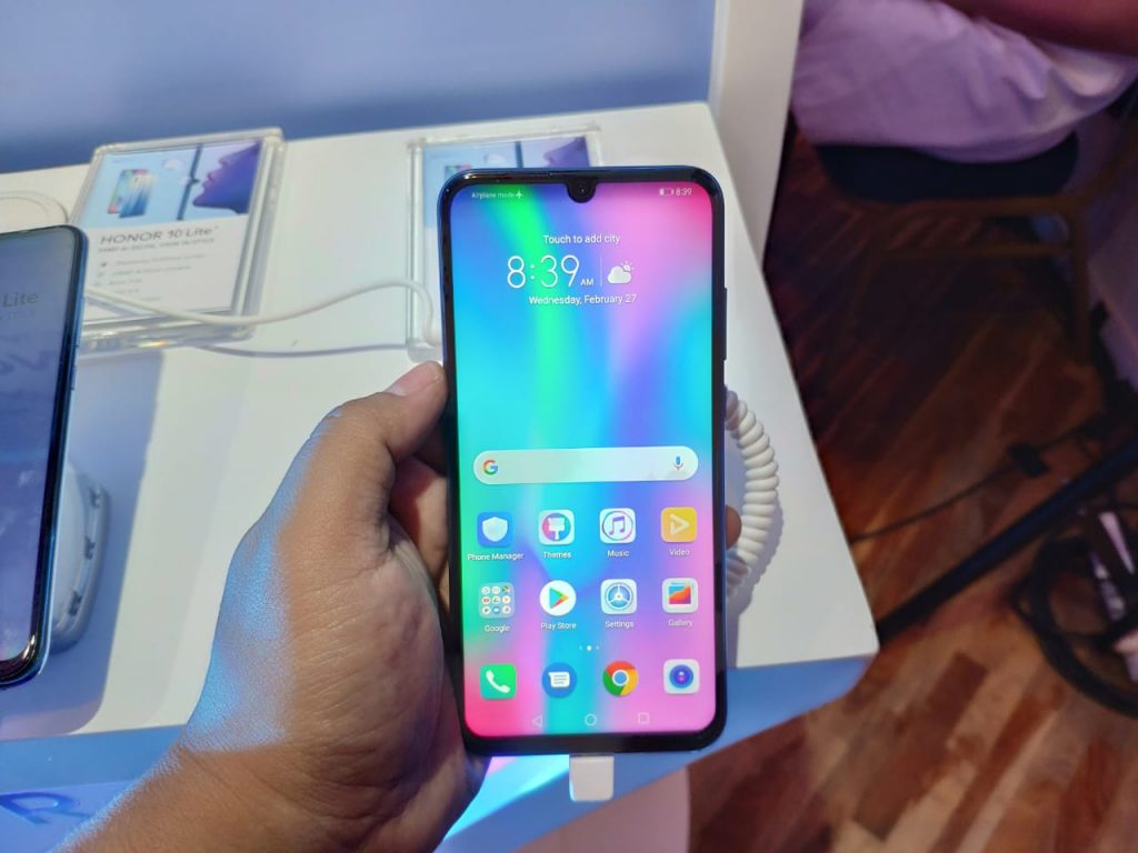 Honor 10 Lite Hand On